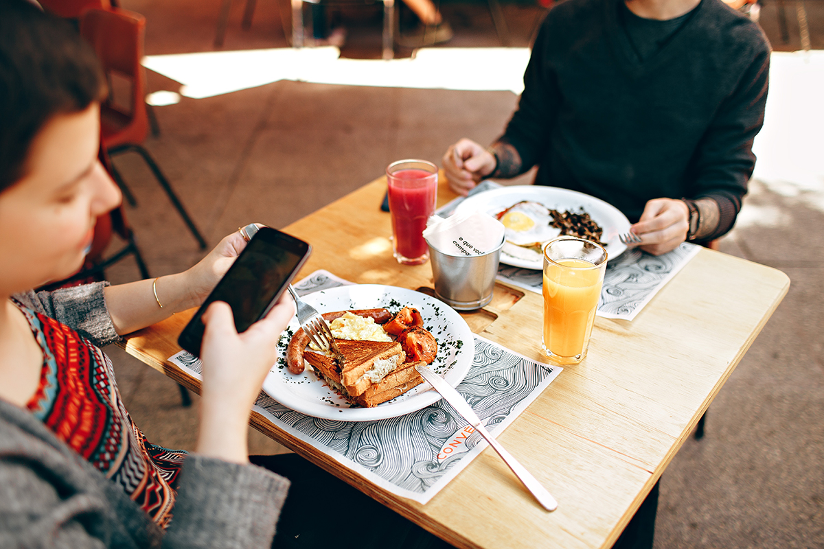 TECHNOLOGY TRENDS THAT WILL ENHANCE THE DIGITAL FOOD ORDERING IN 2019